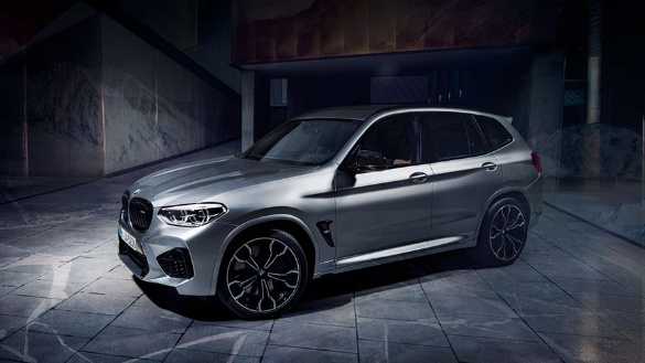 BMW X3 M Automobile in silber